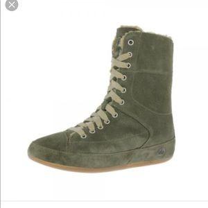 dcabce48d8ec Fitflop Shoes - Fitflop polar sage green boxer boots size 11
